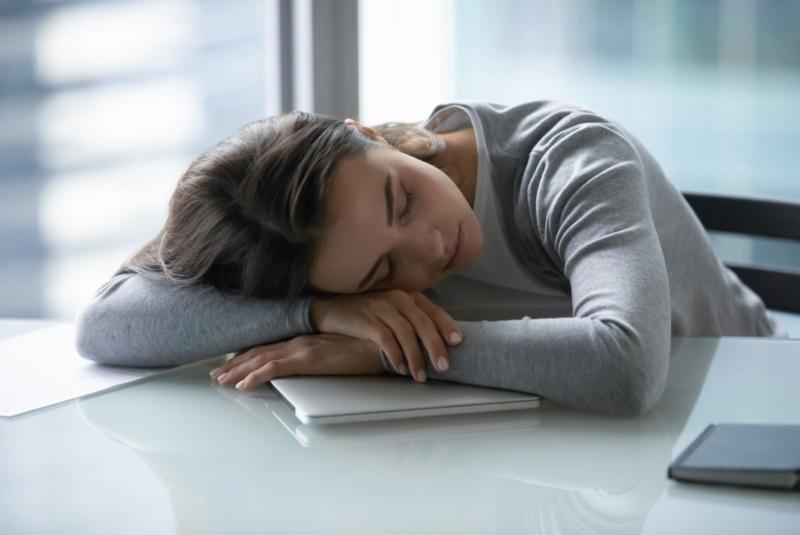 Víte, že nedostatek spánku může ohrozit vaše zdraví? Dejte si pozor na tyto příznaky